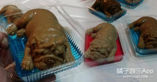"""泰国甜品店竟变""""虐狗""""现场,你确定这吃的不是沙皮宝宝?"""