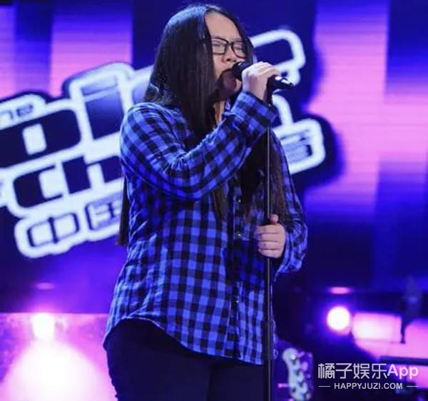 还记得《中国好声音》的小阿黛尔郑虹吗,她瘦了40斤?