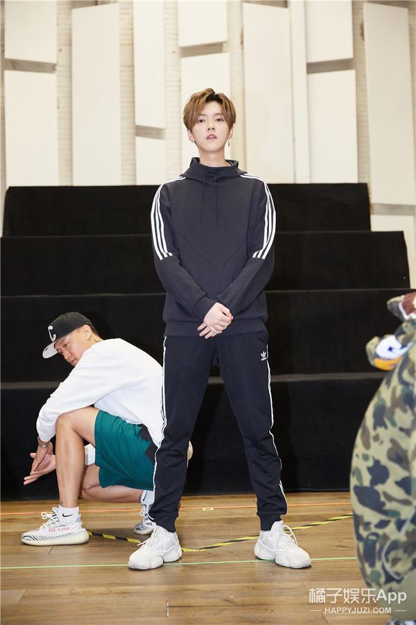 鹿晗备战巡演状态爆表:感觉明天就能开演唱会了!