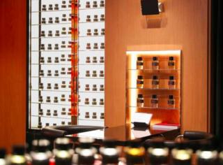 馥马尔香水出版社登陆中国 首家精品店于上海国金中心