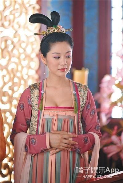 还记得《武媚娘传奇》的春盈吗?她是《上海女子图鉴》的女主