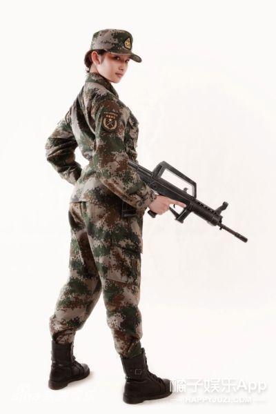 还记得《麻辣女兵》的林木子吗?她现在长这样