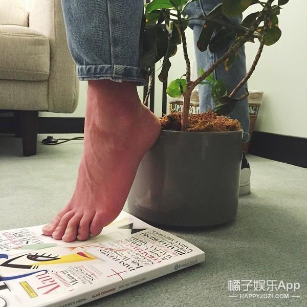 自制高跟鞋,她们把家里能踩的都踩了