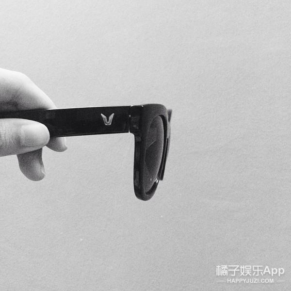 今年这款最潮的太阳镜 李小璐杨洋吴亦凡人手一个