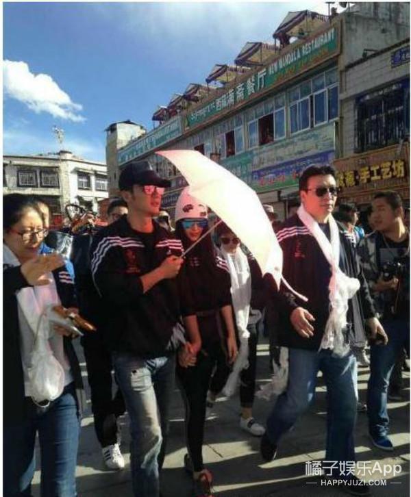 狂虐单身狗!范冰冰和李晨的手从西藏牵到了北京