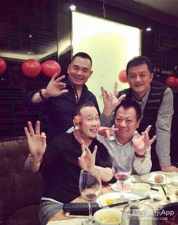 杨坤到底是不是GAY?如果是 我们鼓励他出柜