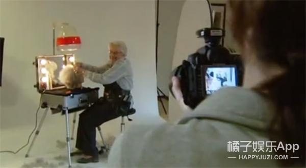 年华易逝但梦想从未褪色 荷兰老人拍摄梦想职业照