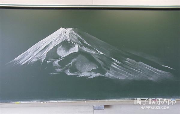 日本举办学生板报大赛 看过作品你会献上膝盖