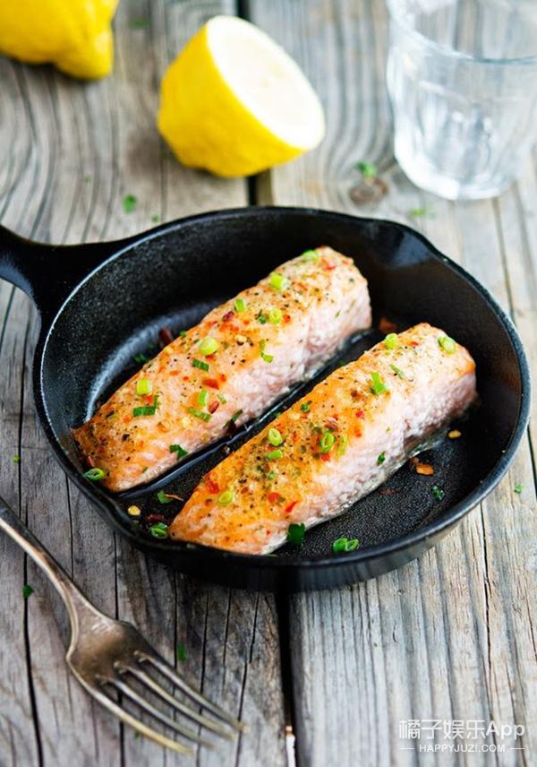 超模们那么瘦还不吃肉,你有什么资格点回锅肉?