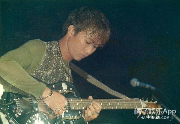 黄家驹逝世22周年:他留在人间的不只是音乐