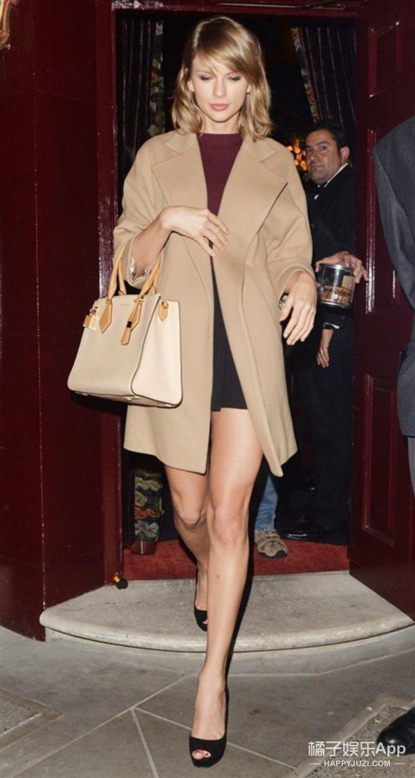 欧美街拍 | 可儿球鞋配美腿 Gaga终于变正常