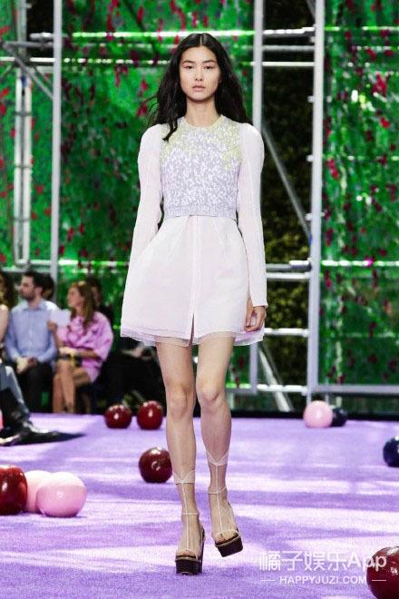 巴黎高定秀   Dior高定秀场的这些中国面孔