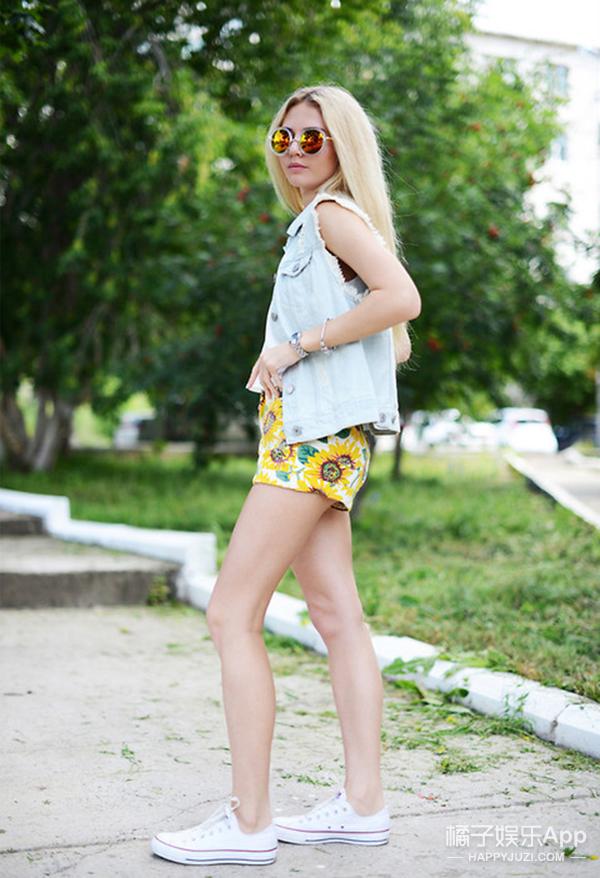 """周末穿啥∣ 夏天再热也要把""""小太阳""""穿在身上"""