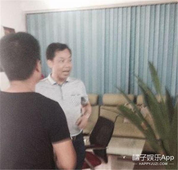 文联主席网上晒诗遭差评怒砸电脑 官方回应他有病正在治