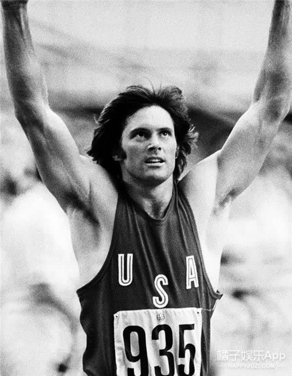 卡戴珊继父: 曾无数次成为奥运冠军 这一次他因为变成女人而获奖