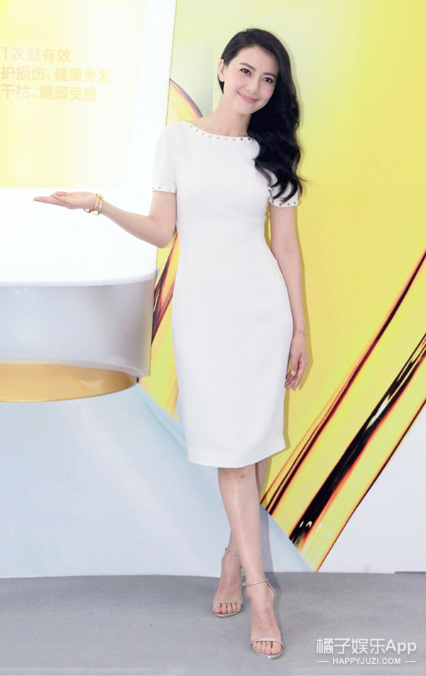 今天她最美 | 高圆圆 幸福满溢的时候 一条最简单的连衣裙就能赢