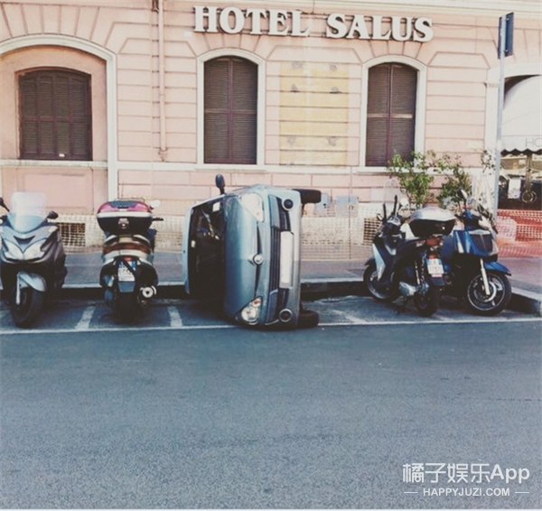 原来,所有意大利人都不会好好停车!