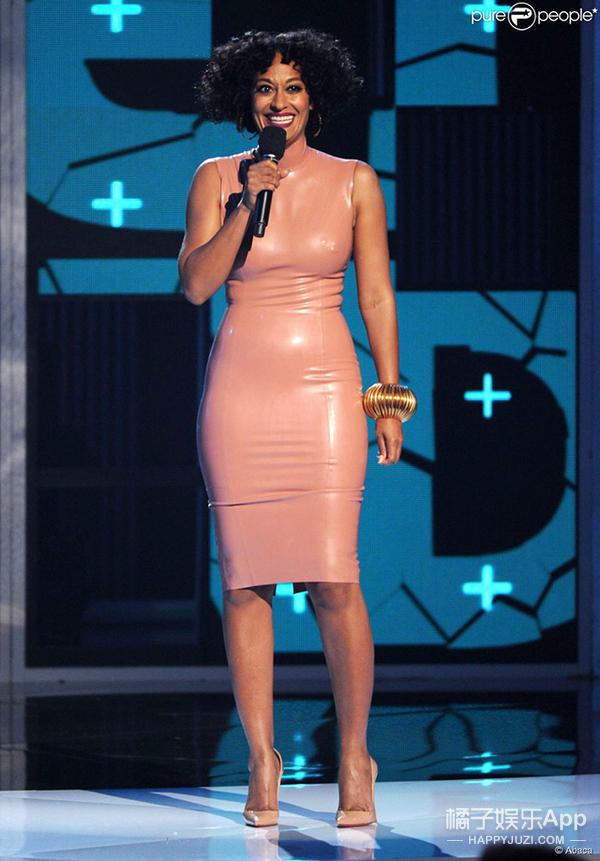 【撞衫大盘点】你们都穿这么粉嫩 是要逆生长吗