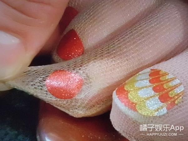 你花几个小时做指甲 不如人家穿双指!甲!油!袜子!