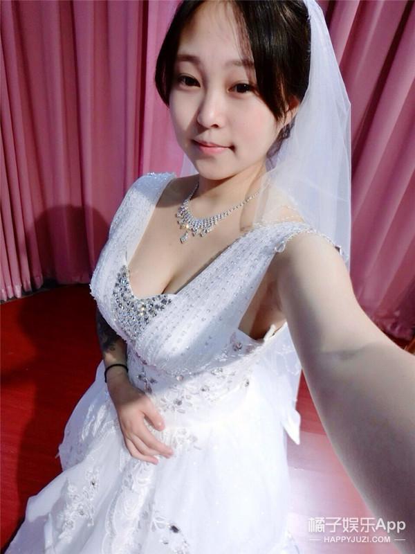 女粉丝求婚吴亦凡? 别担心,是蜡像啦!