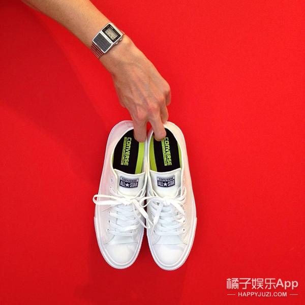 """100年后终于等到你 最时髦帆布鞋匡威""""星""""二代开卖了嘿!"""