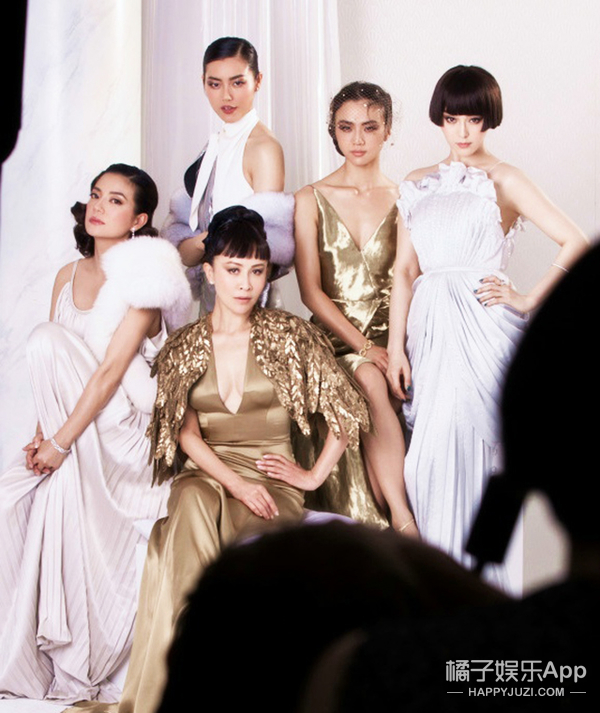 10位女星齐聚《VOGUE》封面,结果成了一场空难!