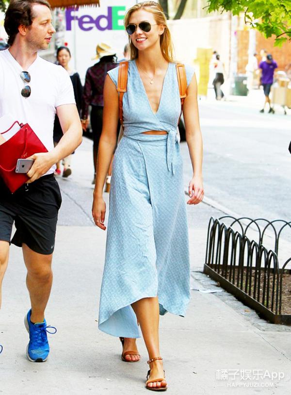 买买买 | 霉霉和Karlie Kloss都在穿的一字肩连衣裙 你必须要买到!