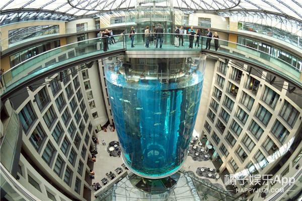深25米自带潜入电梯,这才是你一辈子不得不去的最美水族馆!