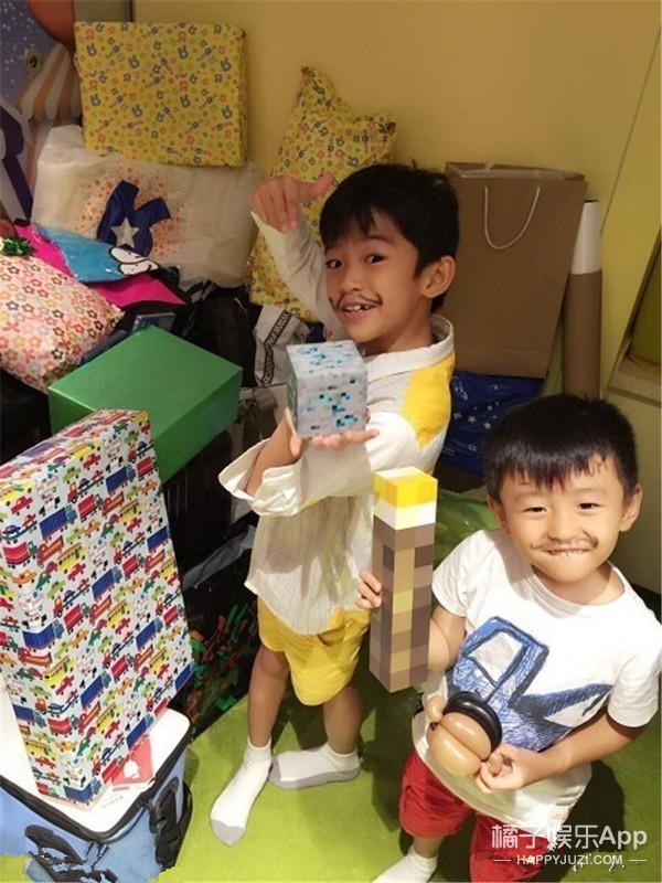 锋芝爱子Lucas8岁啦 | 真人秀一样疯狂的家庭 没能影响他的童真笑容