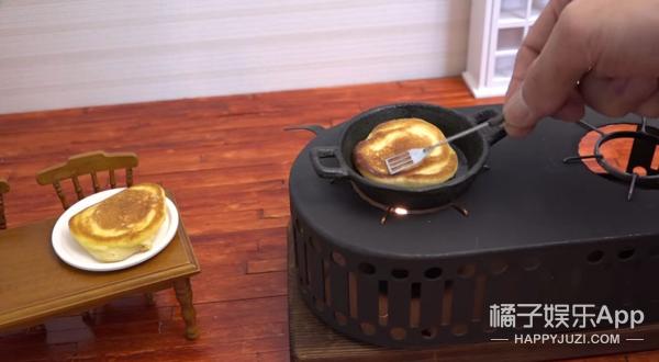这款神奇的松饼 就算吃100盘都不会胖哦!