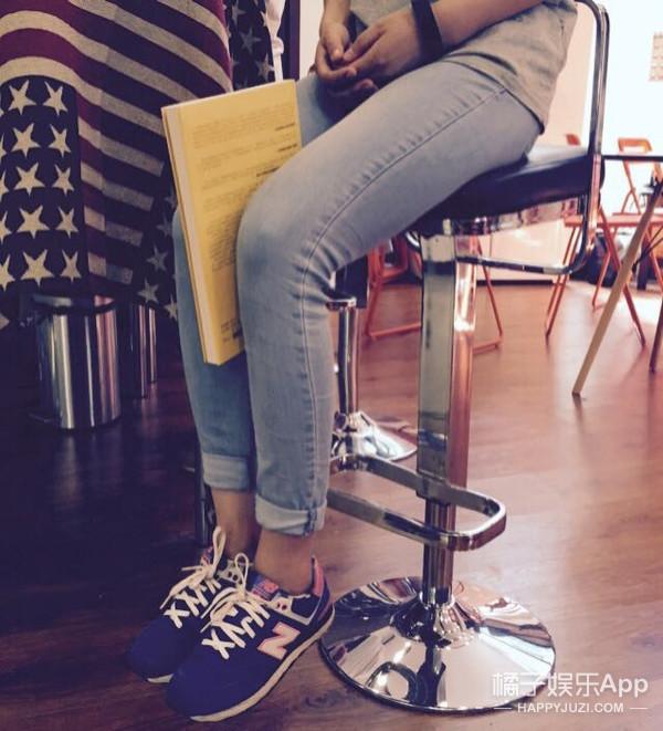 新技能get | 0运动,两根皮筋一本书就能帮你拥有超级美腿!