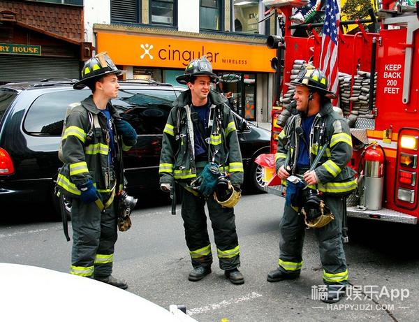 年轻人不该冒死逆行 | 这世上还有一种选择叫消防职业化