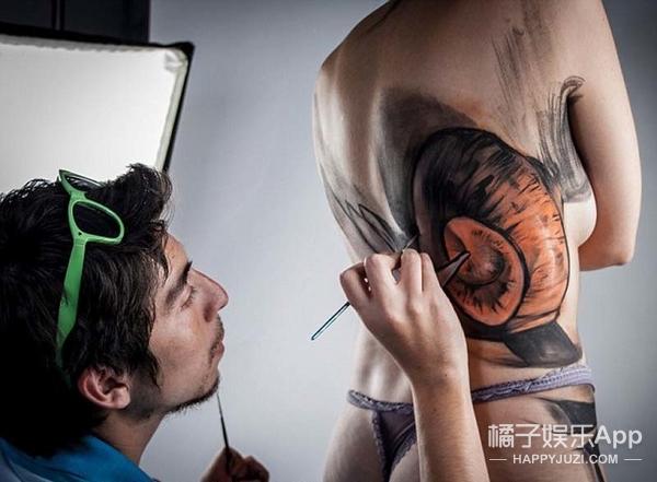 裸体女模人体彩绘,身体都被撕裂啦!