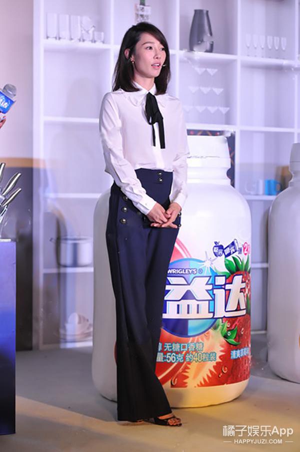 今天她最美 | 白百何 白衬衫蓝裤子清纯得像邻家妹妹
