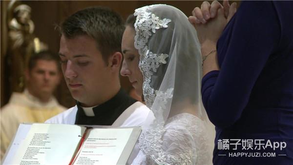全球竟然有3500个女人嫁给了同一个男人!