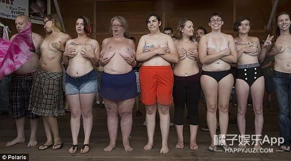 裸胸日来了!60个城市街头被裸胸女占领