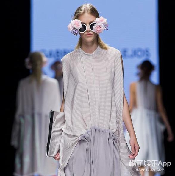 """这个模特因为""""屁股太大""""被时尚品牌残忍拒绝..."""
