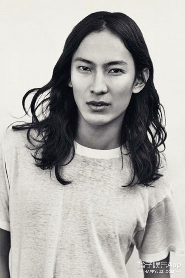 Alexander Wang十周年!票选10个最经典Look有你的爱吗?