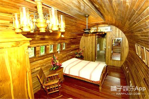 老奶奶重金买下废弃飞机,打造了自己的梦幻飞机房!