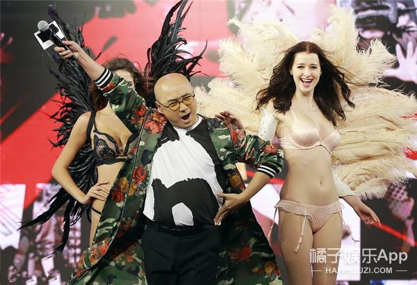尺度大!《港囧》发布会上怎么来了群只穿内衣的模特......