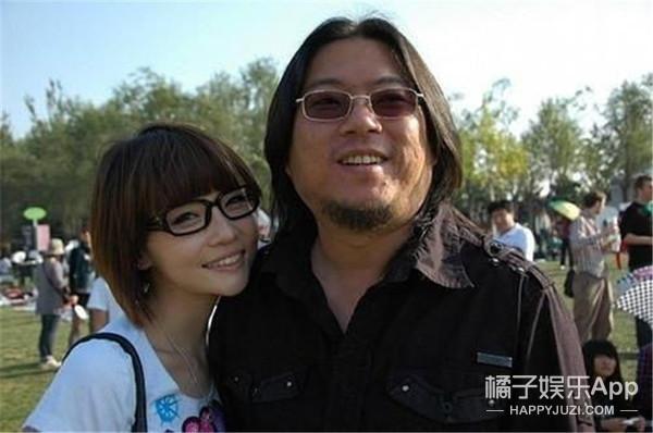 世界真小!听说张子萱前夫和高晓松前妻在一起了?