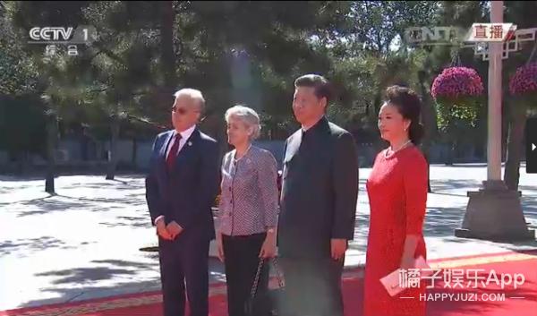彭妈妈一身中国红阅兵,她就是中国外交的新名片!