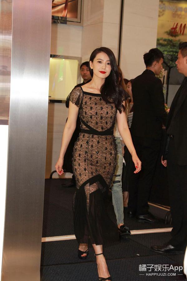 高圆圆红唇黑裙,多了点艳丽,整没了灵气