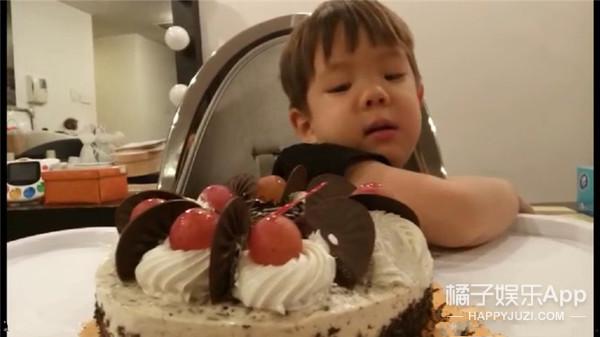 看来杜江的生日要被霍思燕姐妹团承包了......