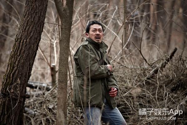 当你们被《釜山行》刷爆朋友圈时,我却被这部韩片和男主征服了