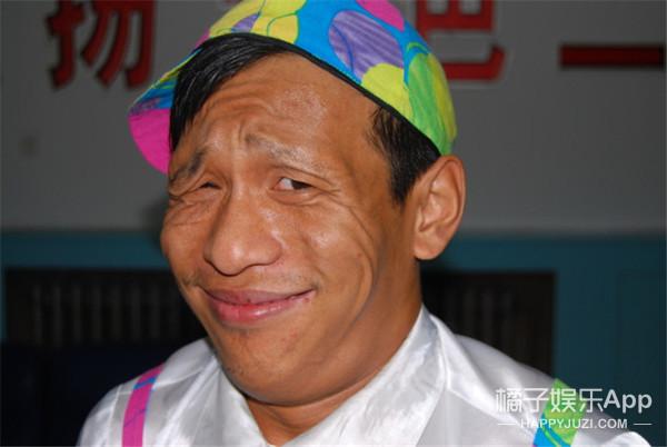 """宋小宝、郭敬明、王祖蓝、曾志伟,原来他们才是娱乐圈新晋""""矮夫""""4!"""