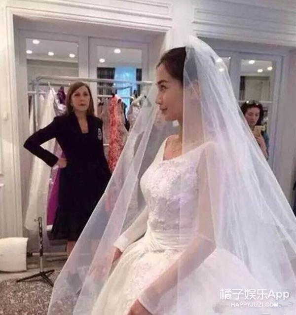 Angelababy婚纱盘点 | Dior定制婚纱耗工近1000小时 中式婚服价值50万!