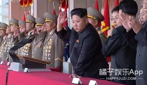 朝鲜阅兵笑死人了,鹅式步伐震的我蛋都掉了…