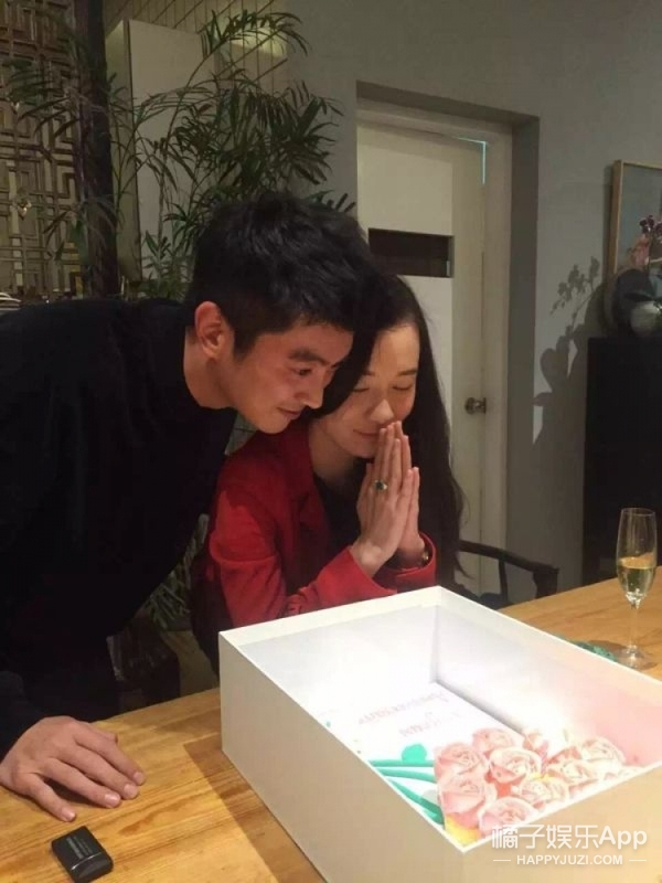 老公下厨做美食、绿宝石戒指相送…霍思燕35岁的生日好幸福!
