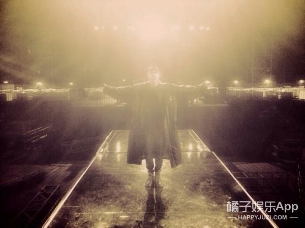韩庚最后一场演唱会 | 10年前你站在这里说你回来了,10年后很开心你一直都在